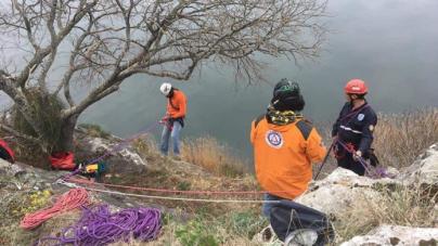 Εκπαίδευση στην καταρρίχηση από το ΕΤΑΚ Καστοριάς – Φωτογραφίες