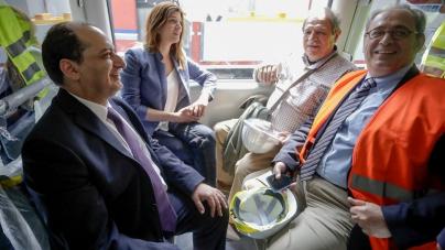 ΝΔ: Από τους μουσαμάδες του Μετρό Θεσσαλονίκης στα… ακίνητα βαγόνια
