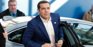 Σας δίνω παροχές, ψηφίστε με- Η απροκάλυπτη καμπάνια που κάνει ο Αλέξης Τσίπρας
