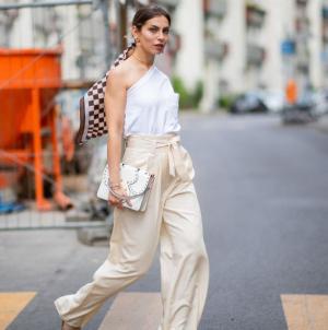 5 τάσεις στα παντελόνια που θα φορέσουμε το καλοκαίρι -Δροσερά και stylish
