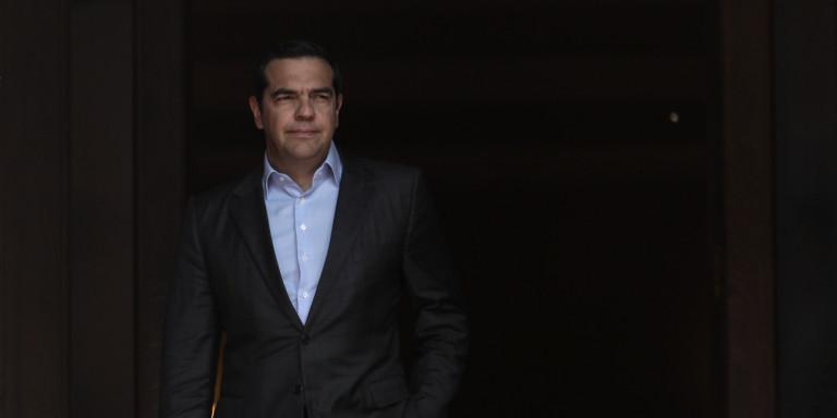 tsipras-maximou-eisodos-monos-1300.jpg