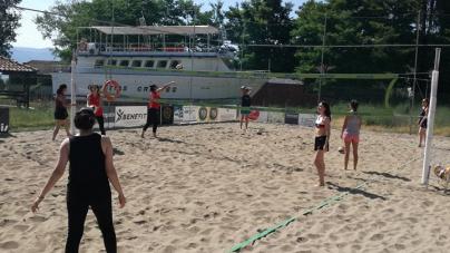 Βeach Volley: Το τμήμα αρχαρίων γυναικών συνεχίζει τις προπονήσεις