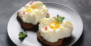Συνταγή για αέρινα «αυγά-σύννεφο»