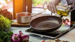 Τι προκαλεί θερμικό σοκ στο τηγάνι -Η κακή συνήθεια που καταστρέφει το σκεύος