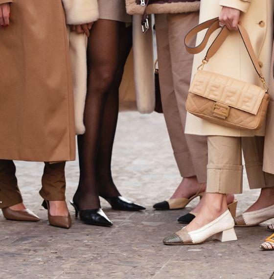 Τα δερμάτινα mules από τα Mango είναι το τέλειο παπούτσι για να υποδεχτείς το φθινόπωρο -Mίνιμαλ, με άποψη