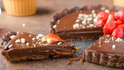Πανεύκολη συνταγή για σοκολατένιο γλυκό ψυγείου
