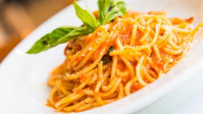 Συνταγή για ιταλική μακαρονάδα με σάλτσα τομάτας -Το ρωμαϊκό μυστικό γεύσης
