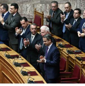 Κατερίνα Σακελλαροπούλου: Πρόεδρος της Δημοκρατίας με 261 ψήφους