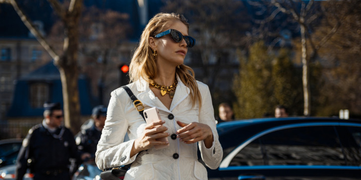 girl-white-sunglasses.jpg